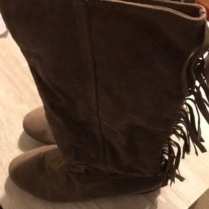 Cute Brown Tassel Boots